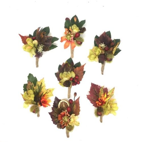 FALL IN LOVE BUTTONHOLES