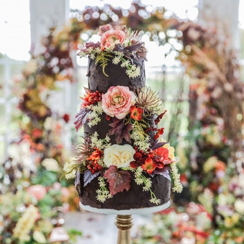 FALL IN LOVE CAKE FLOWERS