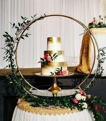 KATIYA GOLD HOOP CAKE STAND